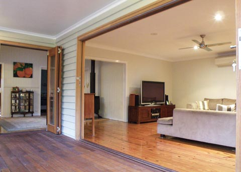 Queenslander house renovation arkspace architects brisbane for Kitchen ideas for queenslanders